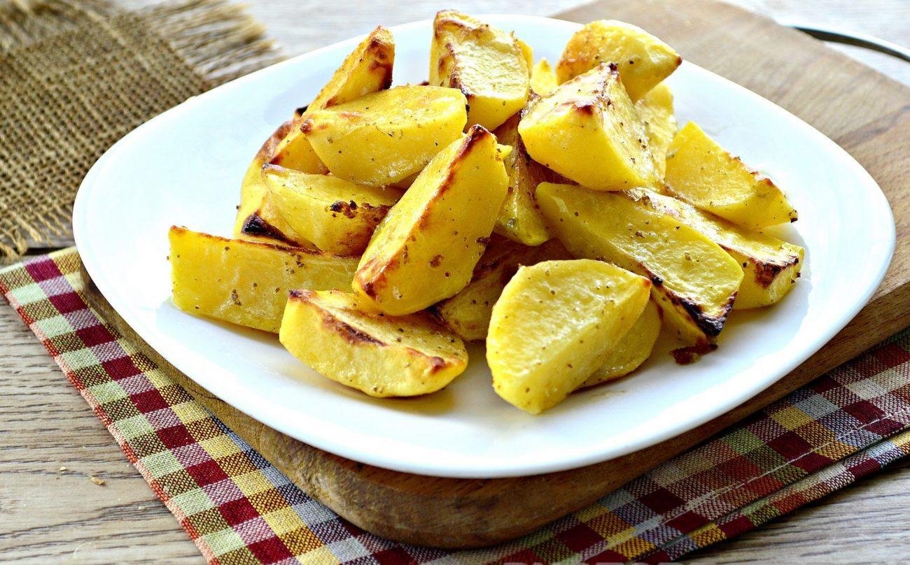 Картофель, запеченный в майонезе и специях