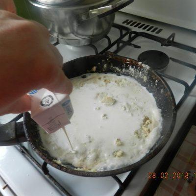 Фото рецепта - Цветная капуста и брокколи, запеченные под сливочным соусом - шаг 5
