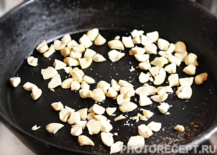 Фото рецепта - Салат из свеклы с сыром - шаг 2