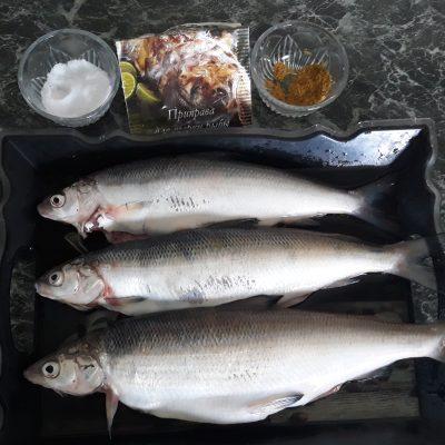 Фото рецепта - Запеченая рыба с картофелем - шаг 1