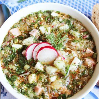 Быстрая окрошка с колбасой на квасе - рецепт с фото