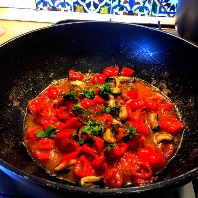 Фото рецепта - Спагетти с мидиями - шаг 9
