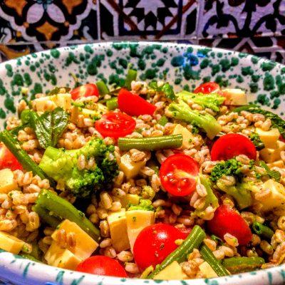 Салат из перловки с овощами и сыром - рецепт с фото