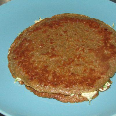 Фото рецепта - Торт из куриной печени с разными прслойками - шаг 6