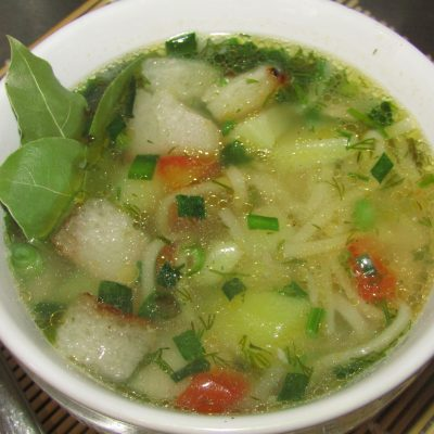 Суп с яичной лапшой и курицей - рецепт с фото