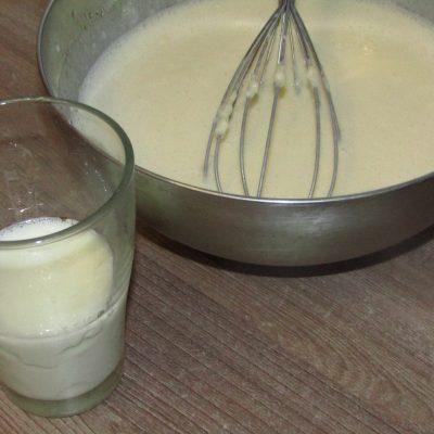 Фото рецепта - Сахарные блинчики с клубникой - шаг 2