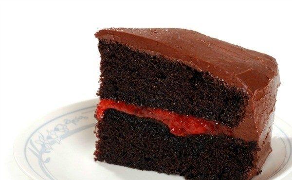 Шоколадный торт с абрикосовым джемом