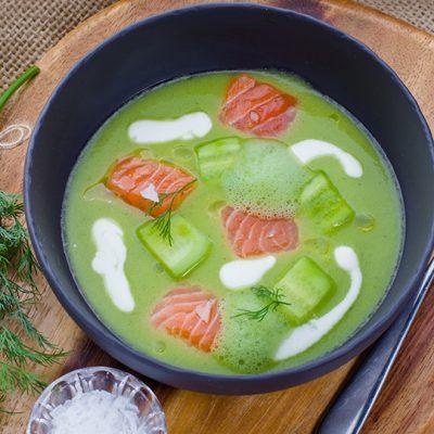 Холодный огуречный суп с семгой и пряным маслом - рецепт с фото
