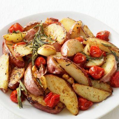 Картофель по-провански с помидорами - рецепт с фото