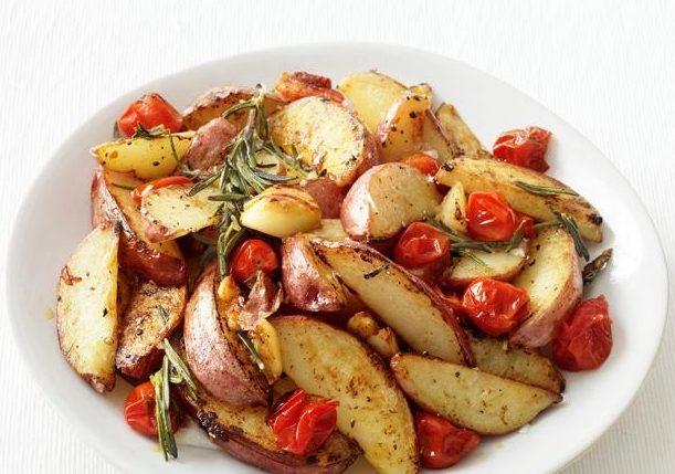 Картофель по-провански с помидорами