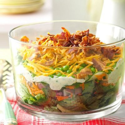 Праздничный салат из языка с горшком, сыром и морковью - рецепт с фото
