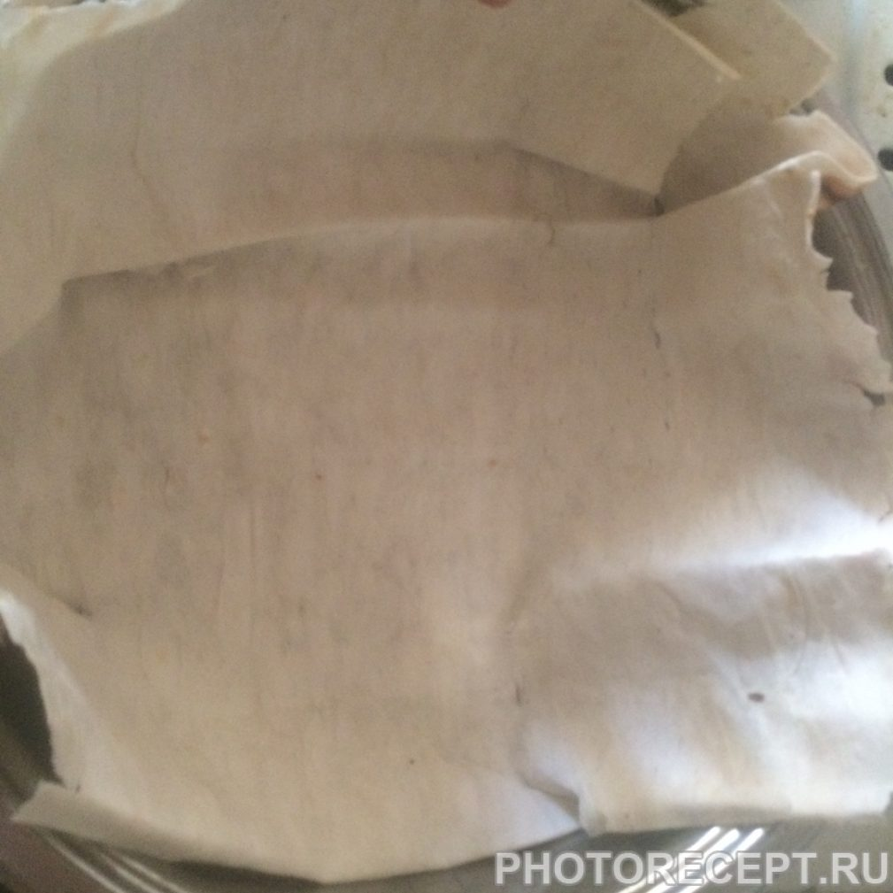 Фото рецепта - Закуска из лаваша с яйцом, ветчиной и сыром - шаг 1