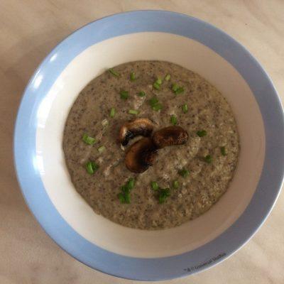 Фото рецепта - Суп-пюре из шампиньонов с картофелем - шаг 5