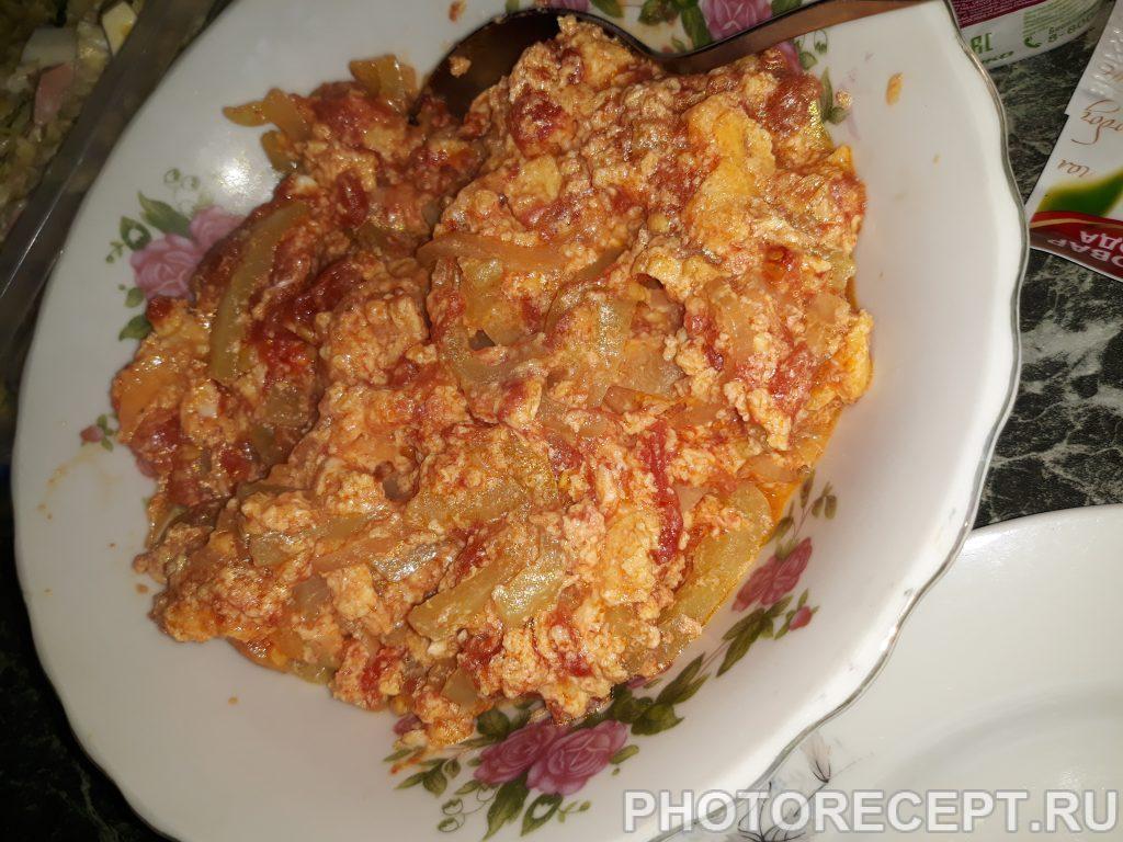 Фото рецепта - Яичница с помидорами - шаг 5