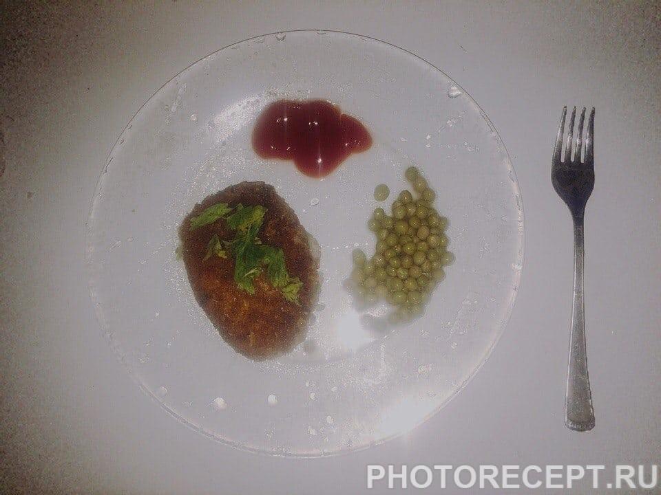 Фото рецепта - Рисовые котлеты с цукини - шаг 3