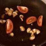 Фото рецепта - Нежнейшая курица под сливочным соусом с сыром маскарпоне - шаг 1