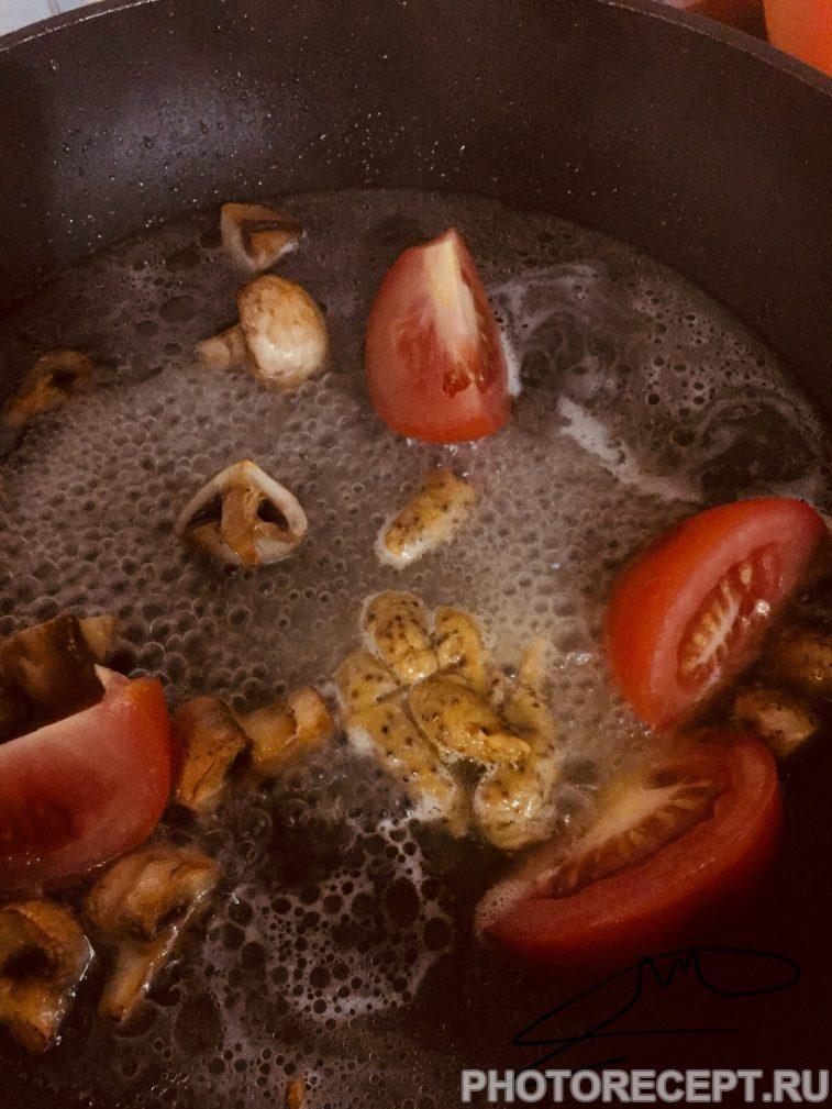 Фото рецепта - Нежнейшая курица под сливочным соусом с сыром маскарпоне - шаг 2