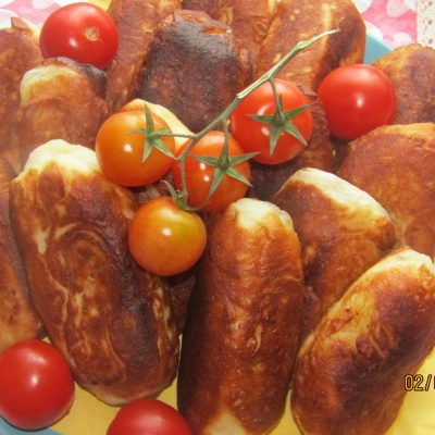 Пирожки с копченостями и картошкой - рецепт с фото