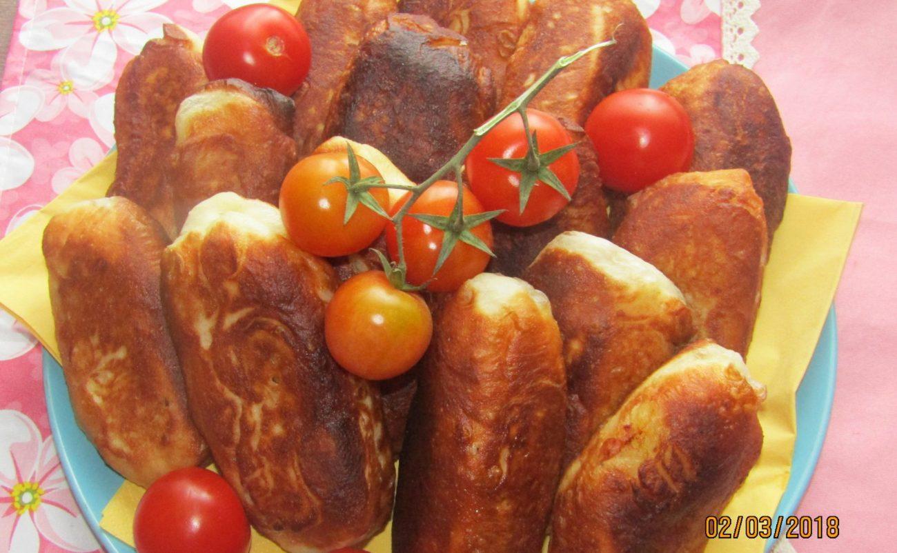 Пирожки с копченостями и картошкой