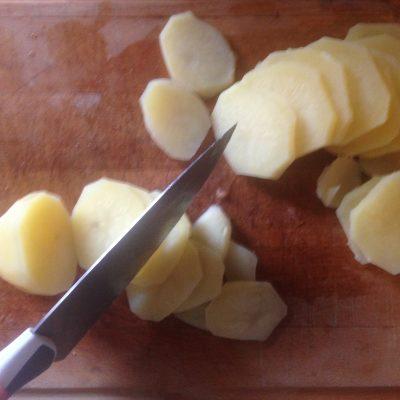 Фото рецепта - Картофельная запеканка с грибами и соусом Бешамель - шаг 4