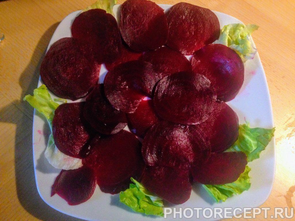 Фото рецепта - Карпаччо из красной свеклы - шаг 2