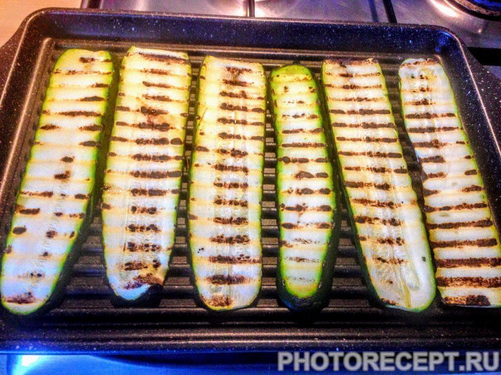 Фото рецепта - Цукини со спаржей и сладким перцем на гриле - шаг 4