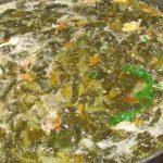 Фото рецепта - Зеленый борщ на курином бульоне - шаг 6