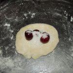 Фото рецепта - Вареники сахарные с вишней - шаг 3