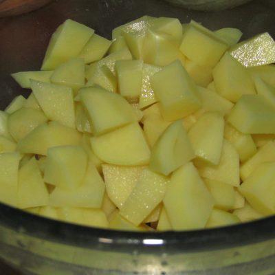 Фото рецепта - Гороховый суп с копчеными сосисками - шаг 2