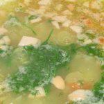 Фото рецепта - Гороховый суп с копчеными сосисками - шаг 5