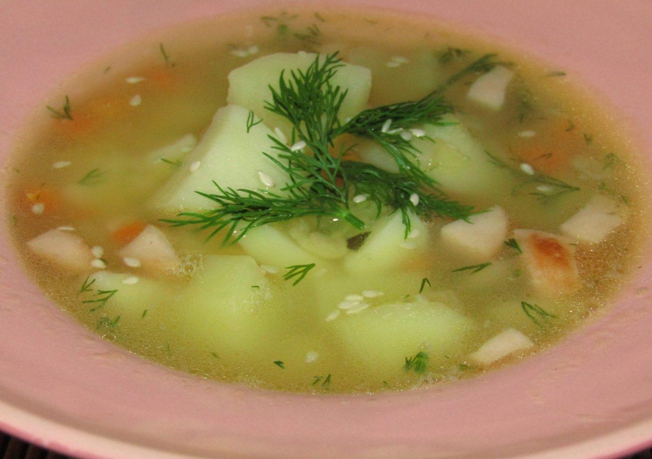 Гороховый суп с копчеными сосисками