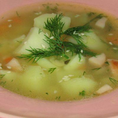 Гороховый суп с копчеными сосисками - рецепт с фото
