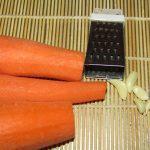 Фото рецепта - Морковный салат с чесноком - шаг 1