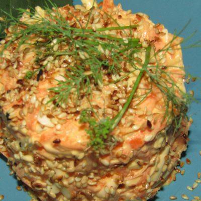 Морковный салат с чесноком - рецепт с фото