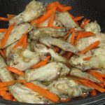 Фото рецепта - Плов с куриными крыльями - шаг 3
