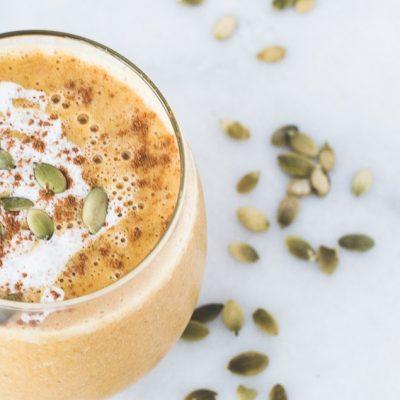 Десерт из абрикосово-тыквенного пюре в стакане - рецепт с фото