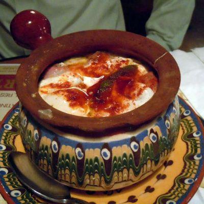 Грибы в сливках, приготовленные в гювече - рецепт с фото
