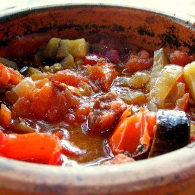 Осенний гювеч из овощей с мясом - рецепт с фото