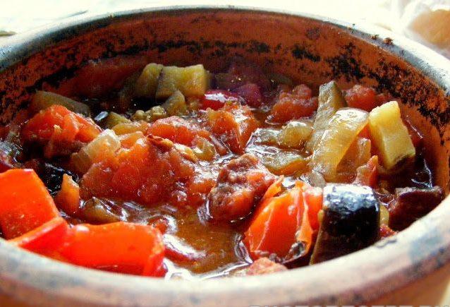 Осенний гювеч из овощей с мясом