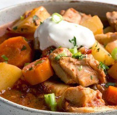 Овощное рагу с куриными бёдрышками - рецепт с фото