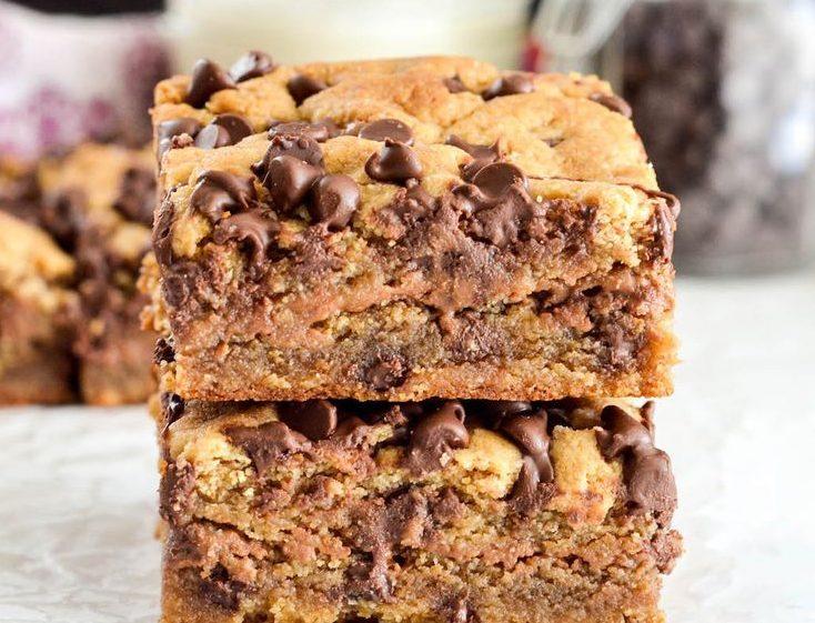 Пирожное Блонди с ореховой начинкой и горьким шоколадом