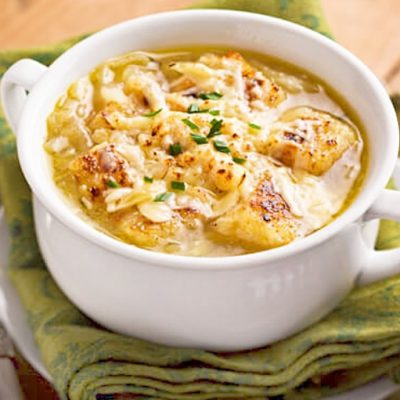 Постный луковый суп на овощном бульоне - рецепт с фото