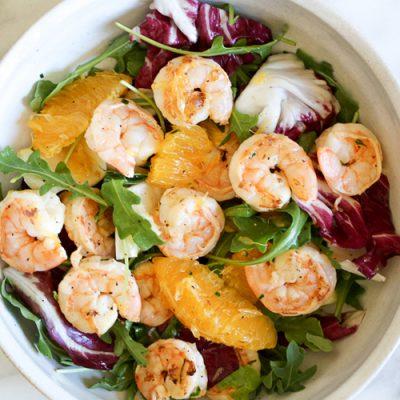 Простой салат из креветок и апельсинов - рецепт с фото