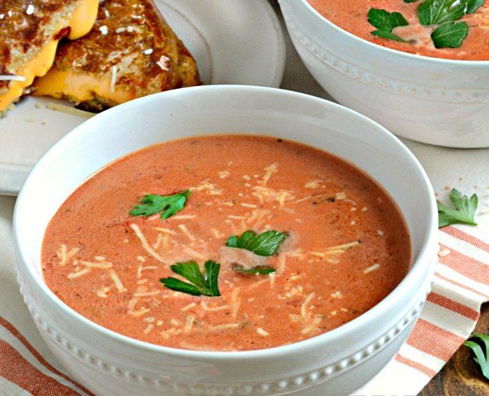 Рисовый суп-пюре с фасолью и помидорами