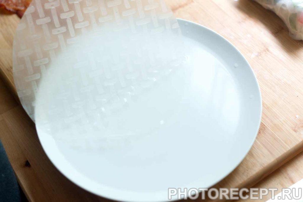Фото рецепта - Рулетики из рисовой бумаги с овощами и беконом - шаг 1