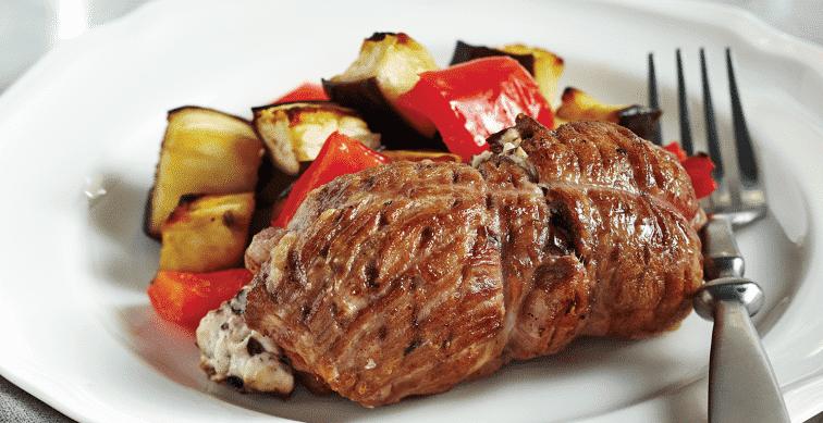 Свинина по-сербски, фаршированная колбаской и сыром