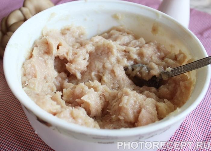 Фото рецепта - Тефтели из индейки с грибами (в духовке) - шаг 2