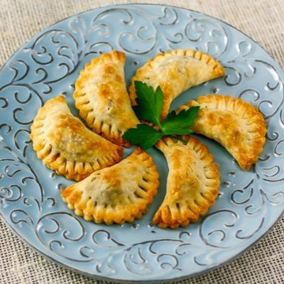 Уральские посикунчики – маленькие пирожки с фаршем - рецепт с фото