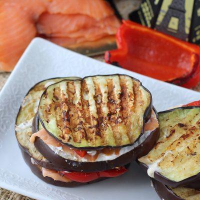 Закуска баклажанная с лососем и сыром - рецепт с фото