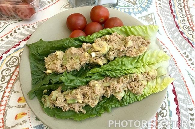 Фото рецепта - Закусочный салат с авокадо и тунцом - шаг 2